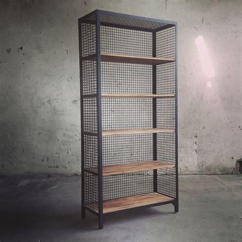 Regal Schwarz Metall by Die Besten 25 Regal Metall Holz Ideen Auf