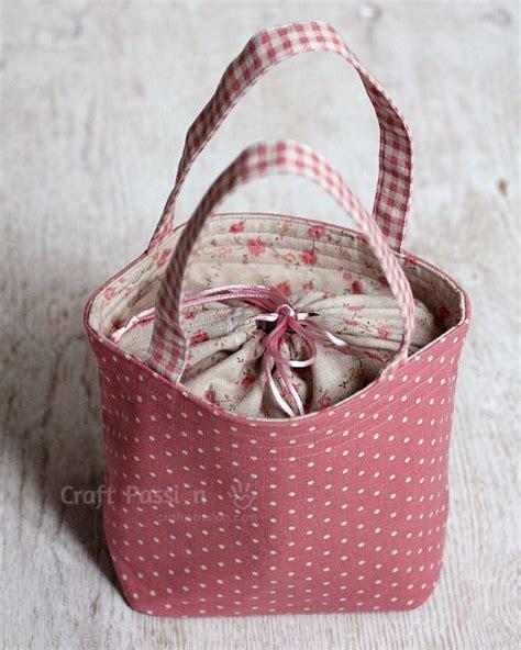 Drawstring Lunch Box Bag lunch box bag free sewing pattern craft