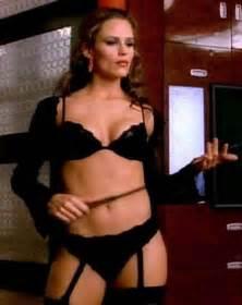 jennifer garner looking in black lingerie and posing