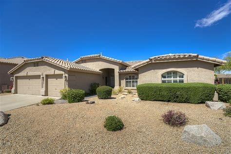 Charming single level Grayhawk home for sale on oversized