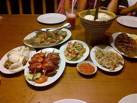 Serbet Makan Hotel 50x50 4 menu makan bale udang mang engking bali paket wisata ke bali paket tour bali paket liburan