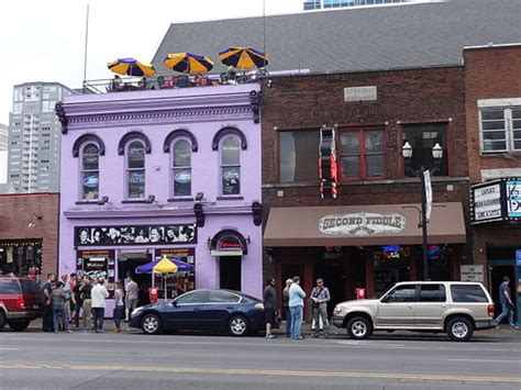 Top 10 Bars In Nashville Tn by Vs Nashville Which City Should You Visit