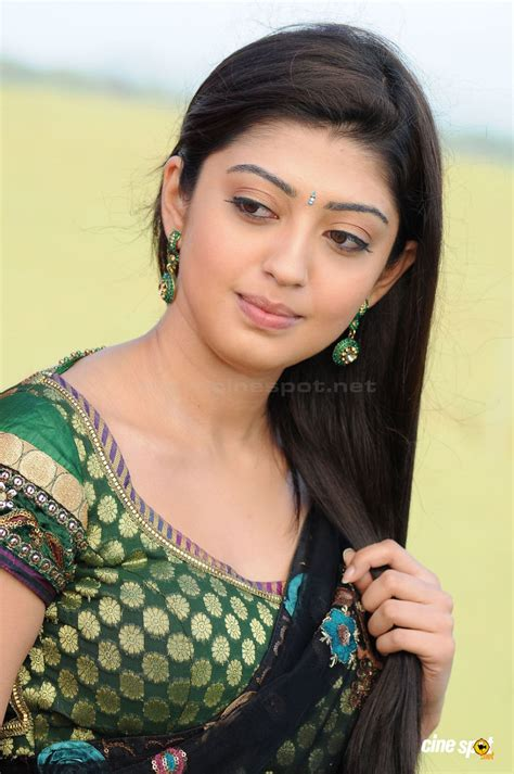 wallpaper heroine wali indian actress in saree collection pranitha south actress