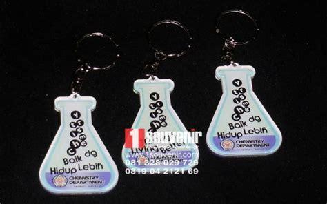 membuat gantungan kunci akrilik 1souvenir com gantungan kunci akrilik