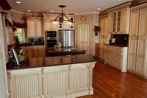 glazed white kitchen cabinets glazed kitchen cabinets atlanta by kbwalls