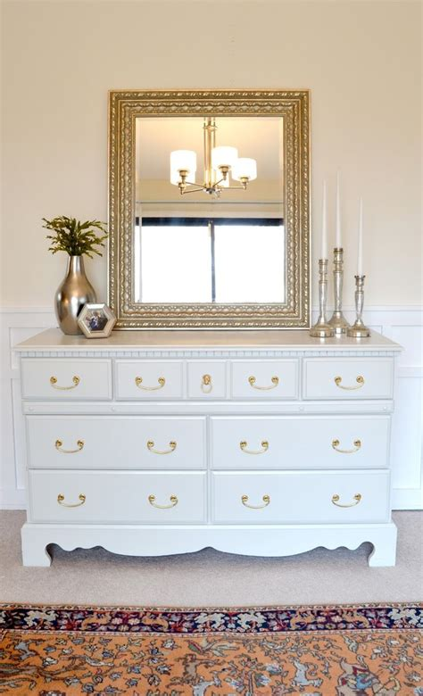 Repaint Furniture by 17 Best Ideas About Painting Furniture White On
