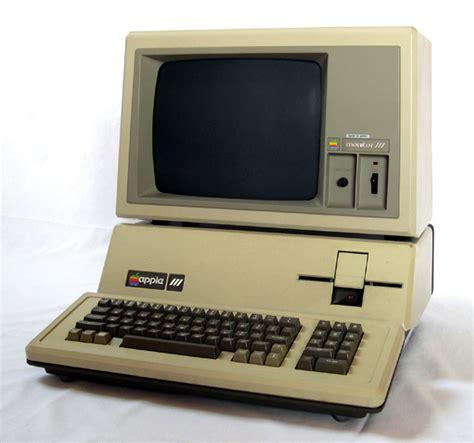 Laptop Apple 3 the evolution of apple design between 1977 2008 webdesigner depot