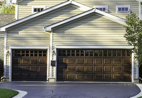 Town And Country Garage Door Common Garage Door Types Garage Doors Michigan Repairs Installation Town Country Door