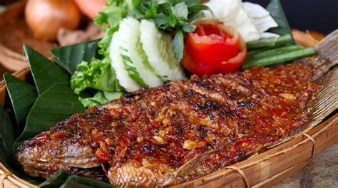 nibbleid makanan   restoran terdekat tomang