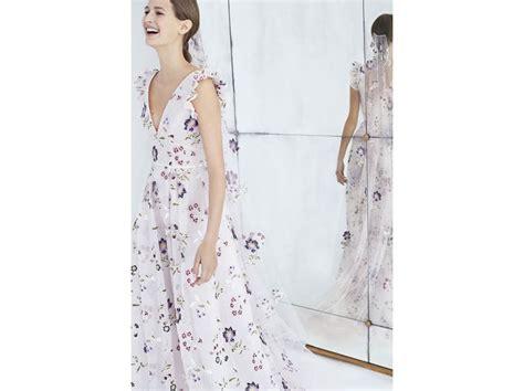 abiti sposa fiori abiti da sposa a fiori stati colorati e applicati le