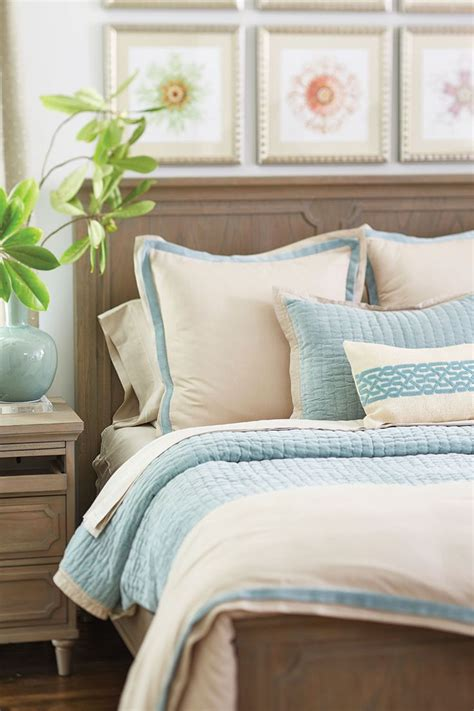 how to arrange pillows on king bed 1000 images about bedroom on pinterest