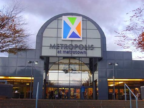 8 Places To Shop by Metrotown 8 Great Stores To Check Out Burnaby School