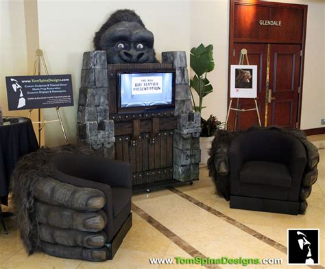 punch king kong themed home theater desk
