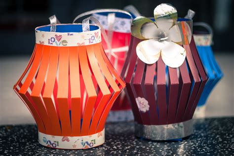 Easy Paper Lanterns To Make - festive paper lanterns the live the adventure letter