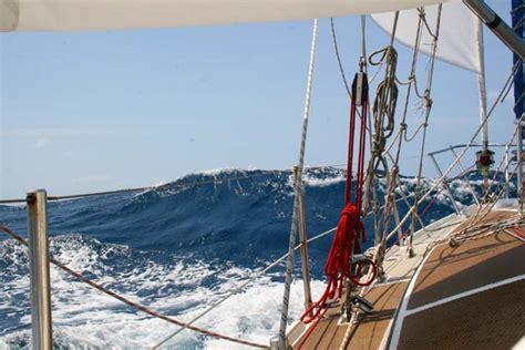 zeilboot laura the amazing voyage of laura dekker the 15 year old who