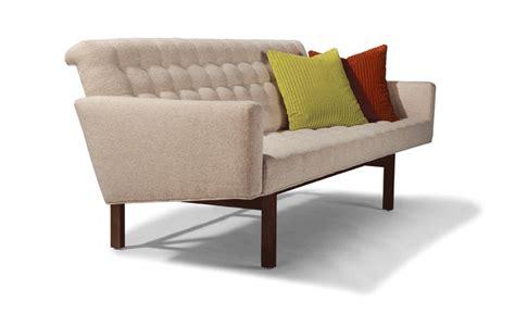 sofa sharing sofa gif find share on giphy