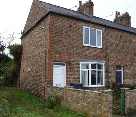 Cottages For Sale York by 2 Bedroom Cottage For Sale In Railway View Tollerton York