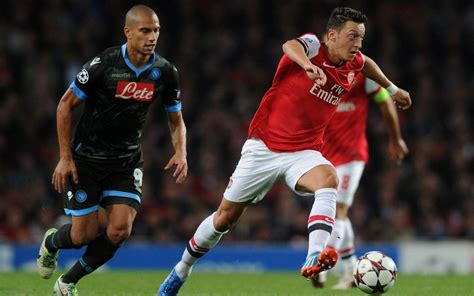 arsenal  nightmare napoli europa league quarter final