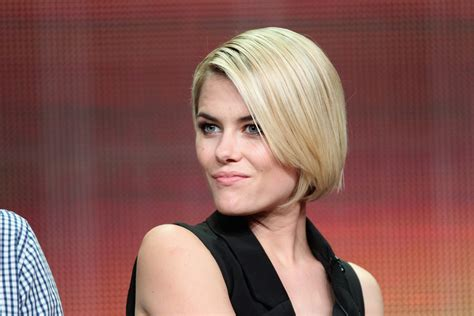 rachael gets bobbed more pics of rachael taylor bob 4 of 15 short