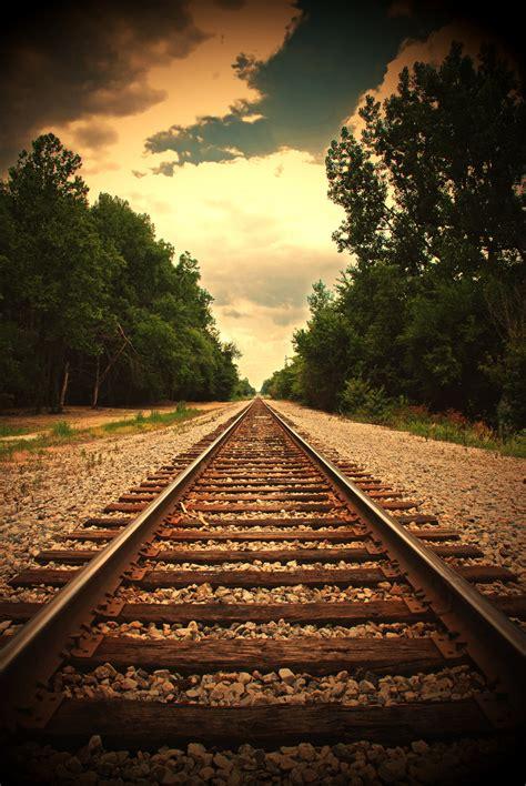 beautiful pictures  railroad tracks echomon