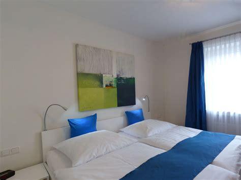blaues schlafzimmer ferienwohnung wolke 7 garmisch partenkirchen familie