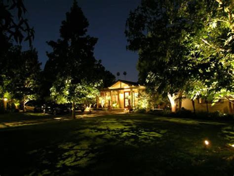brentwood landscape lighting by artistic illumination