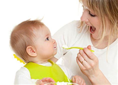 wann mit brei anfangen baby erster brei warum mit karotte anfangen