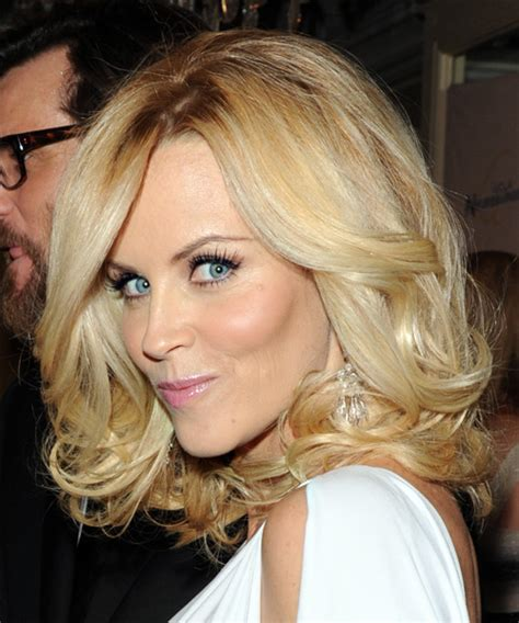 what is jenny mccarthy natural hair color jenny mccarthy long wavy formal hairstyle