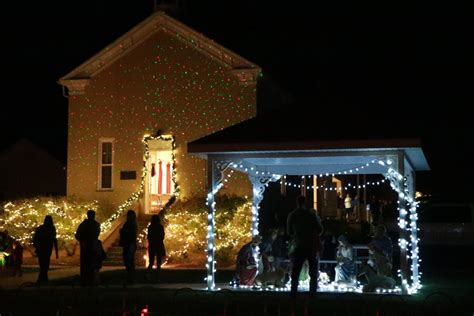 toquerville residents come together to usher in christmas