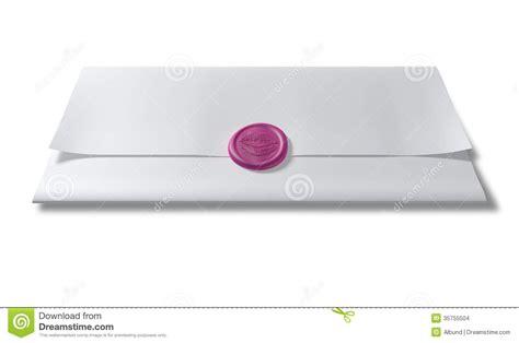 libro por encima de la papel sellado con un sello de la cera del rosa del beso imagenes de archivo imagen 35755504