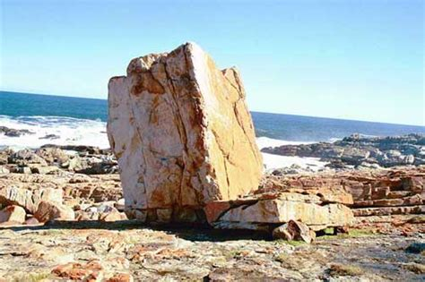 Square Rok south africa pictures the garden route robberg
