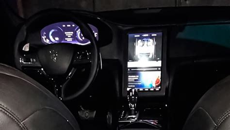 maserati levante interior update maserati levante interior revealed has tablet