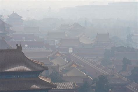 china prepares winter smog curbs to improve toxic air reuters