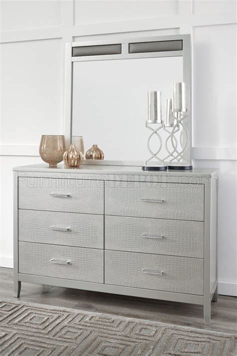 olivet bedroom 5pc set b560 in silver finish by ashley olivet bedroom 5pc set b560 in silver finish by ashley