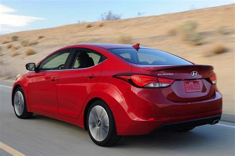 honda elantra 2014 2014 honda civic vs 2014 hyundai elantra which is better