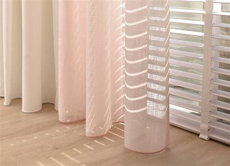 vitrage zonder inkijk gordijnen voor warmte en sfeer aan te brengen in je huis