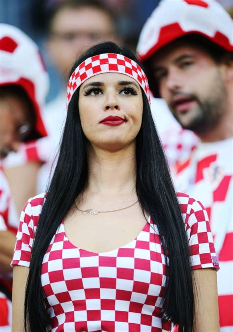 hot female fans world cup 2018 100 photos of hot female fans in fifa world cup 2018