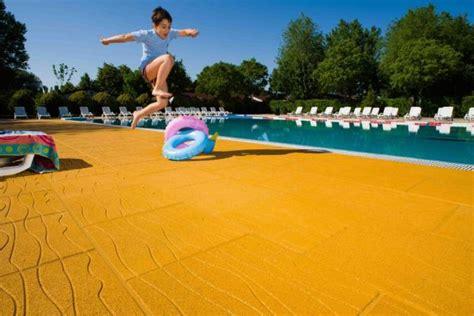 piastrelle gomma antitrauma piastrella antitrauma per bordo piscina