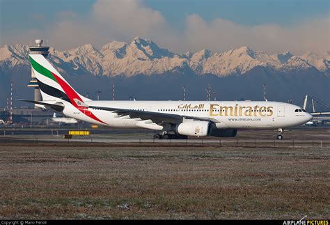 emirates a330 a6 eaf emirates airlines airbus a330 200 at milan