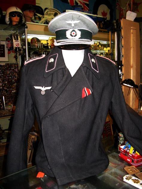 ww2 era german panzer assault uniform badge 25 engagements category shoulder to shoulder collectibles
