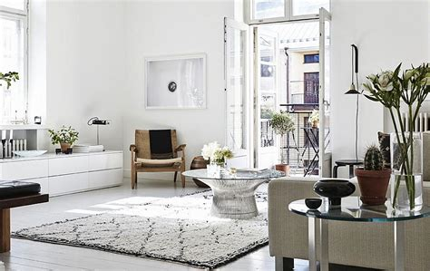 Formidable Meuble Tv Campagne Chic #1: Smart-Platner-coffee-table-sits-at-the-heart-of-this-lovely-living-room.jpg