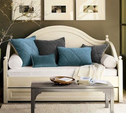 Turn Your Bed Into A Sofa Diy Turn Your Trundle Bed Into A Sofa Design Inspiration Trundle Daybed Day