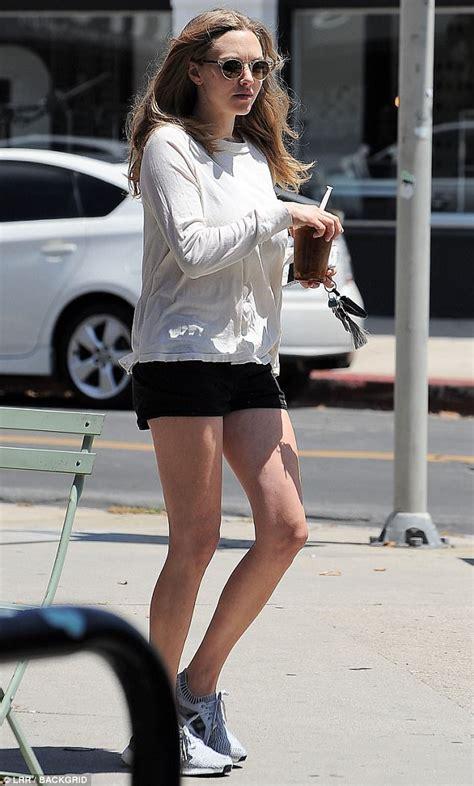 Jogger Amanda new amanda seyfried shows legs in shorts