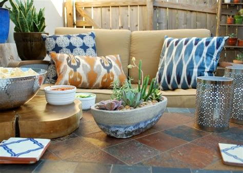 Southwest Garden Decor Stoner From The By By Created A Smart Yet Casual Southwestern Style Patio To Suit An