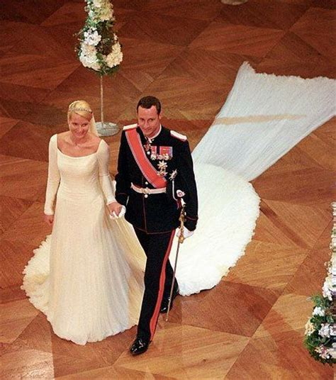 hochzeitskleid mette marit wedding princess mette marit royal wedding dresses