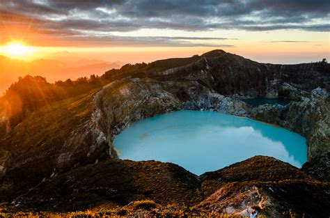 Resmi Etude Indonesia lac volcan kelimutu 15 tuxboard