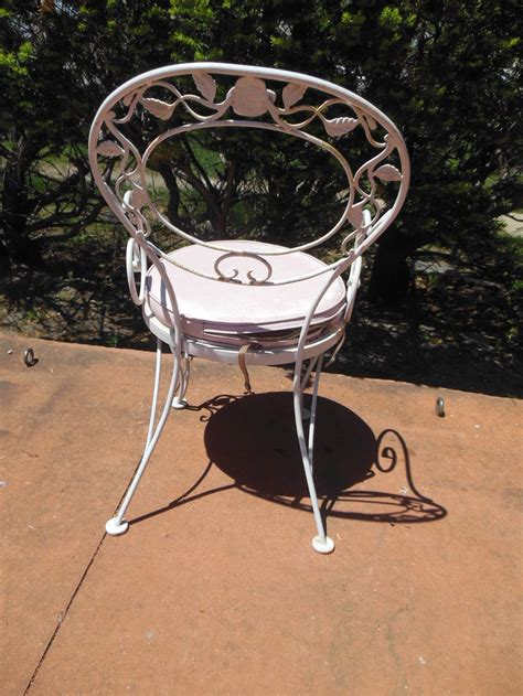 Woodard Wrought Iron Patio Furniture Patio Dining Set Woodard Wrought Iron Chantilly Pattern At 1stdibs