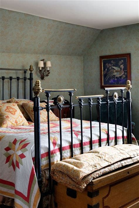 pics of small bedrooms in country victorian cottage dog alice wallpaper with orange curtains bedroom