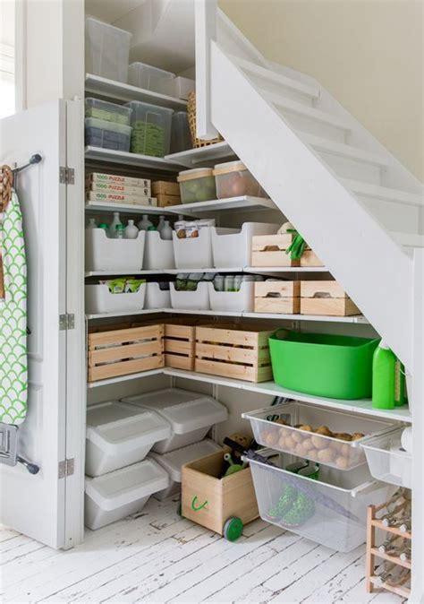 speisekammer unter der treppe die besten 25 unter der treppe ideen auf