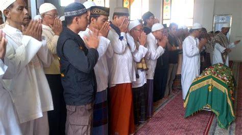 Al Xenza Asli Di Kota Pekanbaru wafatnya komedian mpok nori jadi trending topic dunia